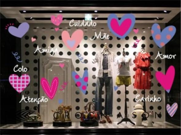 16 dicas para decorar vitrine de loja no Dia das M u00e3es~ Enfeite De Loja