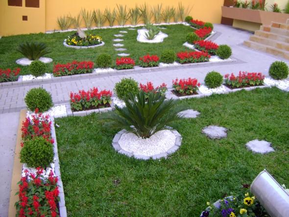 22 decora es de jardins caseiros em espa o pequeno for Como decorar parques y jardines