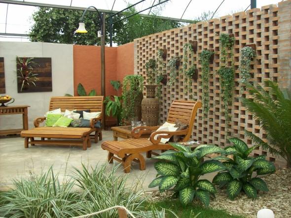 22 decora es de jardins caseiros em espa o pequeno for Como organizar un piso pequeno