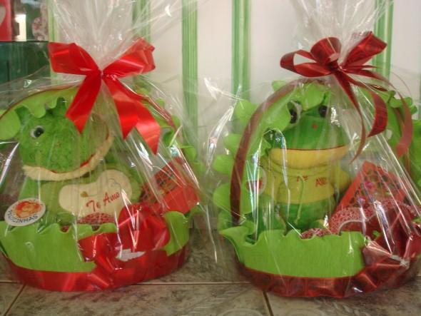 abaixo separamos alguns modelos de cestas decoradas para o dia dos