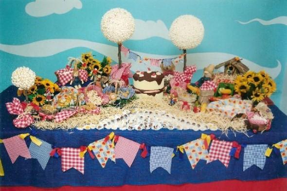 decoracao festa xadrez:21 idéias de decoração de mesa para Festa Junina