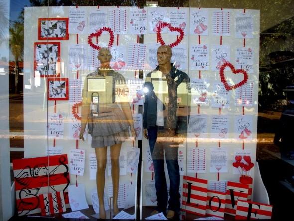 Decoração vitrine Dia dos Namorados 004