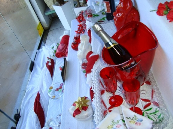 Decoração vitrine Dia dos Namorados 012