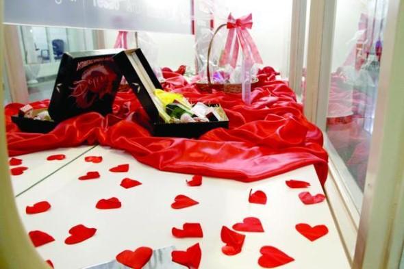 Decoração vitrine Dia dos Namorados 015