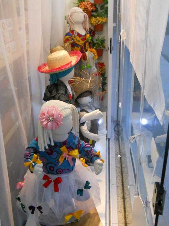 Decorar vitrine de lojas Festa Junina 014