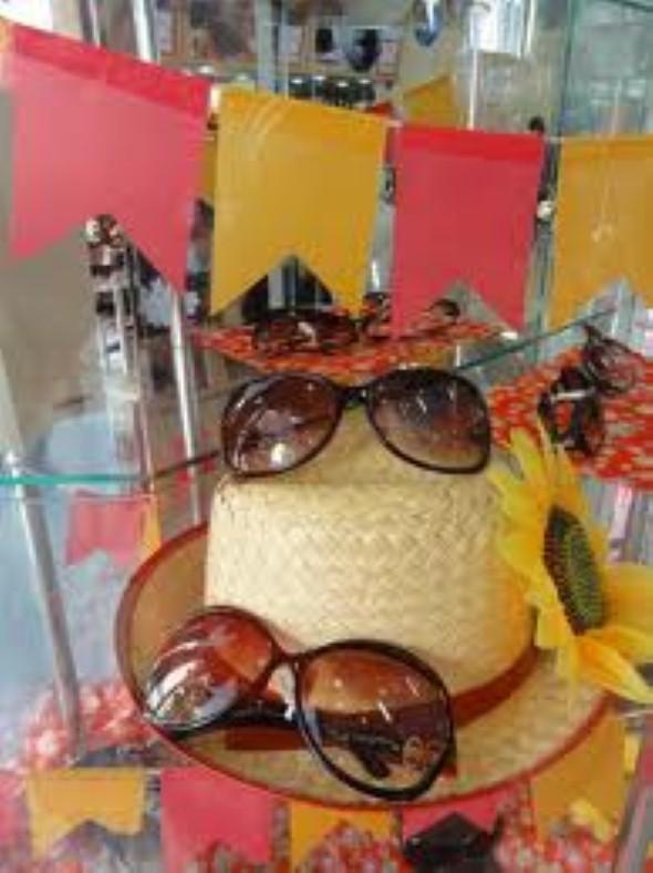 Decorar vitrine de lojas Festa Junina 016