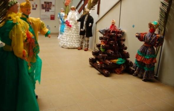 20 idéias para decorar festa junina com material reciclado -> Decoração De São João Com Material Reciclado