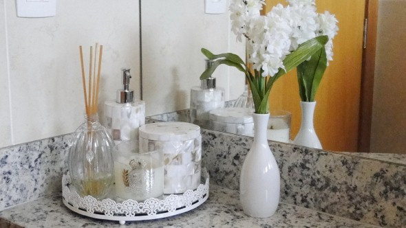 17 ideias para decorar seu banheiro e lavabo com flores ou plantas -> Decoracao De Banheiro Com Flores Artificiais