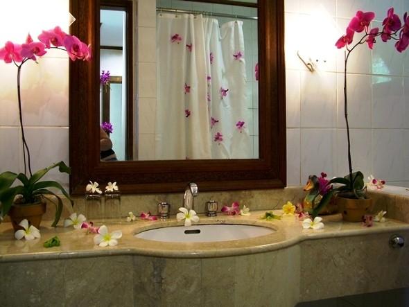 Flores na decoração do banheiro 006