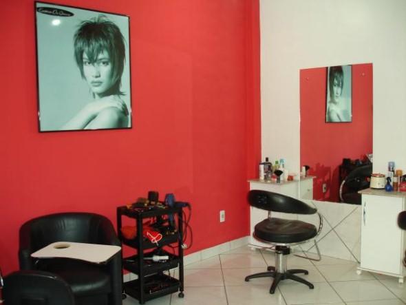 Decoração simples para salão de beleza 004