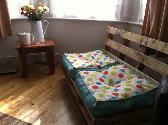Sofás com paletes e madeira reciclável 010