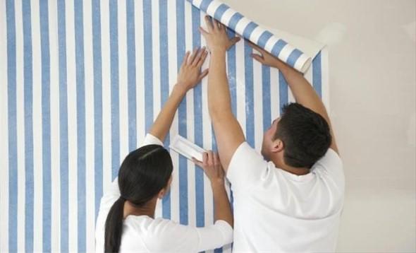 Como aplicar papel de parede em casa 004