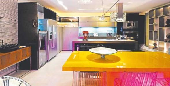 Usar mesas amarelas na decoração 005