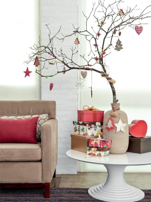 18 idéias de arvores de natal diferente e com material reciclável -> Como Decorar Uma Arvore De Natal Simples E Bonita