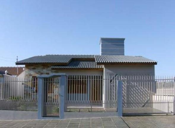 19 fachadas de casas simples e modernas for Fotos de casas modernas com telhado aparente
