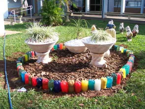 24 idéias de enfeites para jardins com materiais reciclados # Decoração De Jardim Com Material Reciclavel