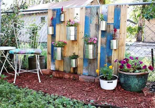 enfeites para jardim reciclados:Modelos de enfeites de materiais reciclados para o jardim