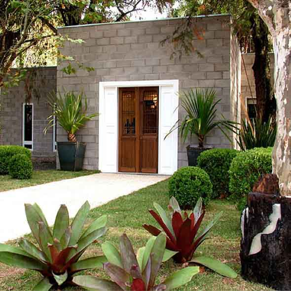 grades madeira jardim:20 modelos de fachadas de casas decoradas com 5 dicas