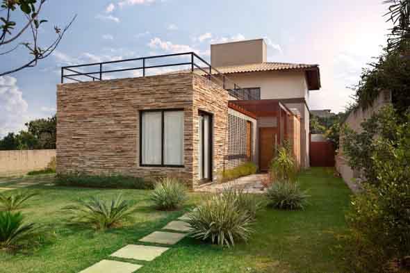 20 modelos de fachadas de casas decoradas com 5 dicas - Casas decoradas con encanto ...