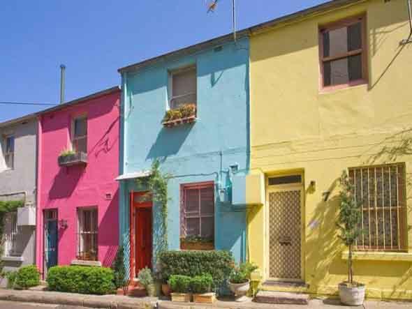23 modelos de fachadas coloridas de casa for Modelos de casas fachadas fotos