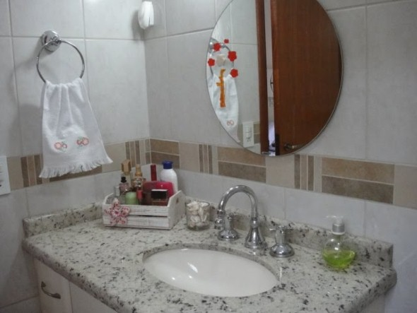 4 dicas de espelhos pequenos para banheiro e lavabo com 20 modelos diferenciados -> Decoracao De Banheiro Pequeno Com Espelho