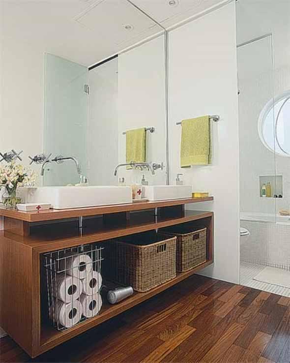 Piso-imita-madeira-no-banheiro-007
