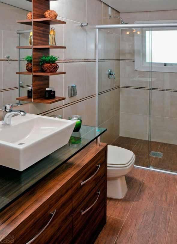 Piso-imita-madeira-no-banheiro-010
