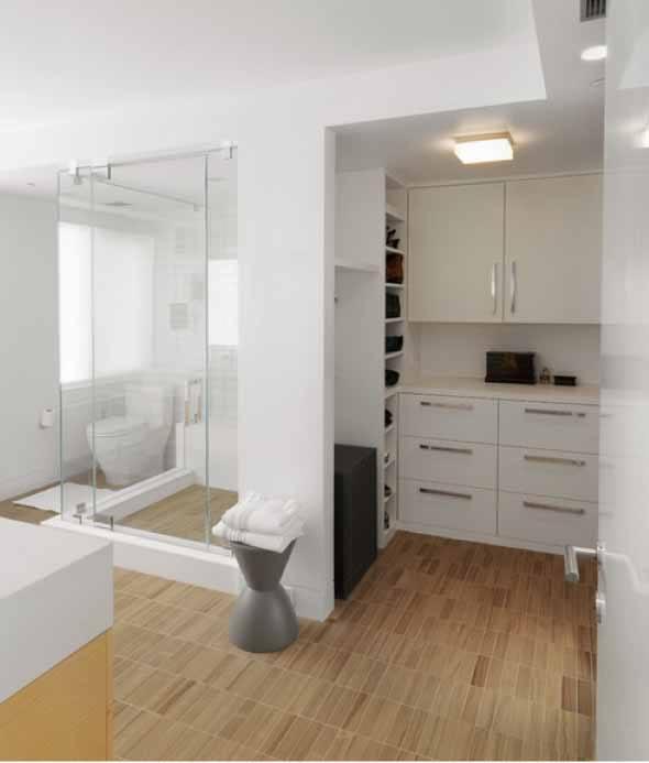 Piso-imita-madeira-no-banheiro-013