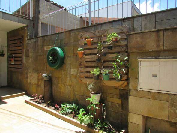 horta e jardim livro : horta e jardim livro:jardim com paletes jardim vertical modelos de decoração de jardim