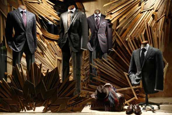 Decorar vitrine de loja de roupa masculina 008