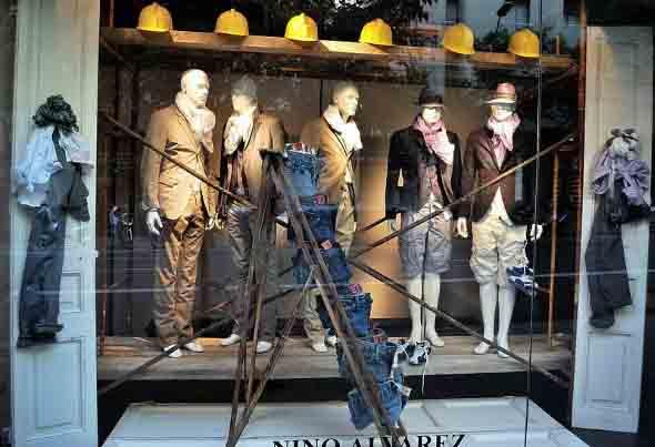 Decorar vitrine de loja de roupa masculina 013