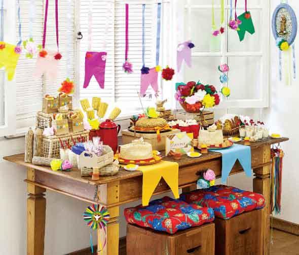 lhes ajudar na montagem de uma festa animada para toda vizinhança