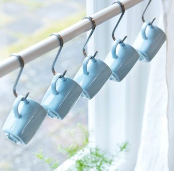 21 maneiras criativas de pendurar canecas na cozinha - Porta tazze ikea ...