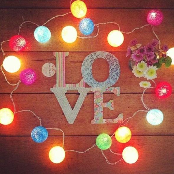 28 ideias de decoração com cordão de luzes para o quarto