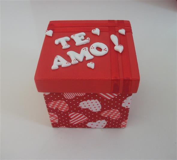 Caixinha surpresa decorada para o Dia dos Namorados 003