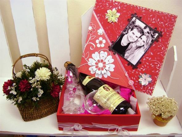 Caixinha surpresa decorada para o Dia dos Namorados 008