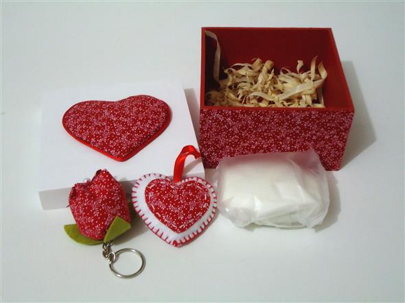 Caixinha surpresa decorada para o Dia dos Namorados 009