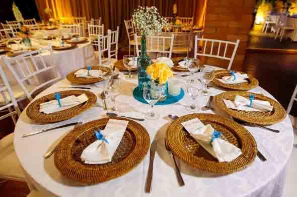 decoracao casamento rustico azul e amarelo:Imagens de decoração de casamento em estilo rústico