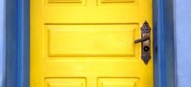 DIY – Como pintar uma porta de madeira – Dicas e macetes