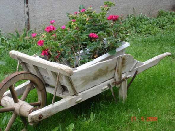 Muitas vezes Carrinho de mão na decoração do jardim LL15