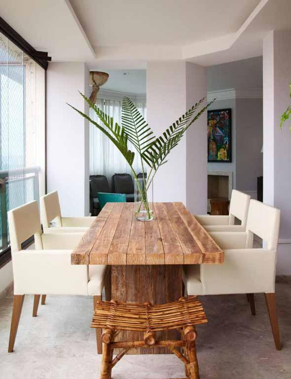 Mesa rústica na decoração da sala de jantar 003