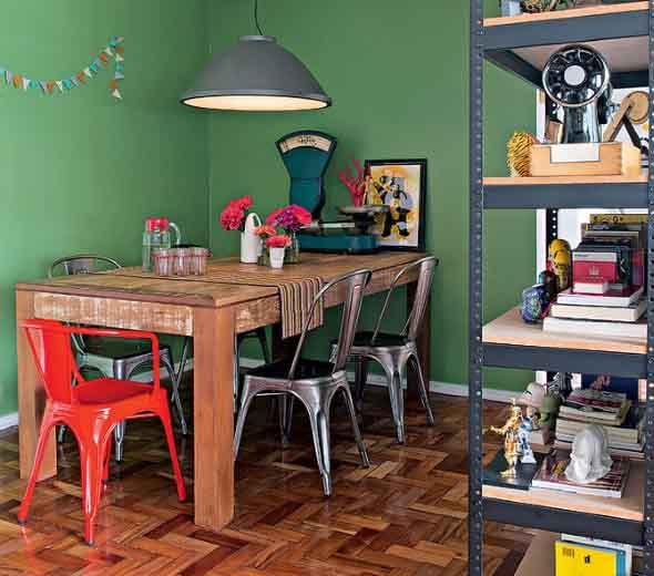 Mesa rústica na decoração da sala de jantar 013