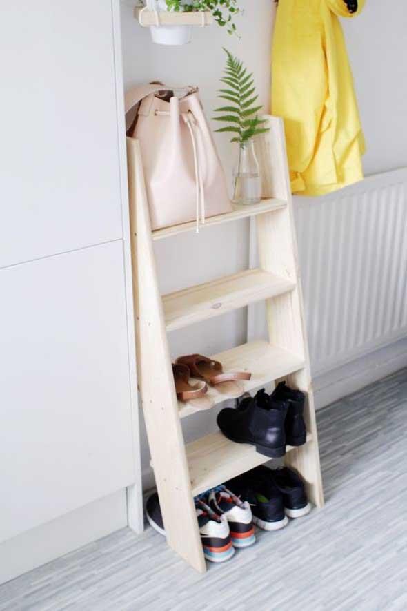 Diversos usos para escadas dentro de casa 016