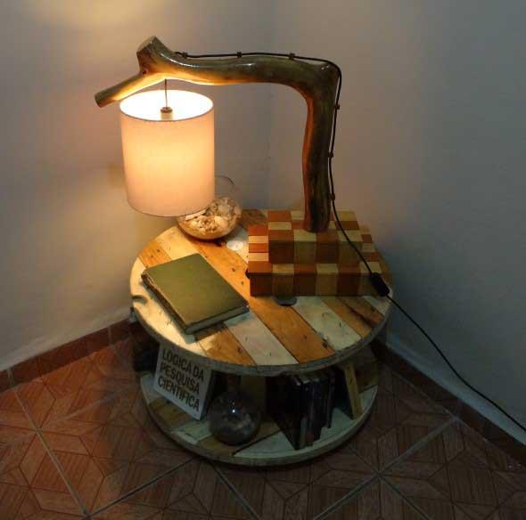 Luminárias e pendentes de galhos secos 012