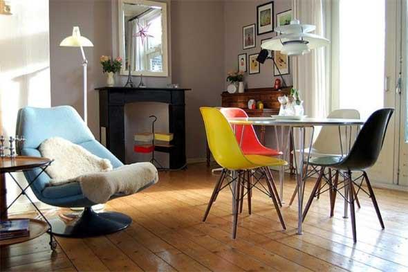 Cadeiras coloridas na decoração 007