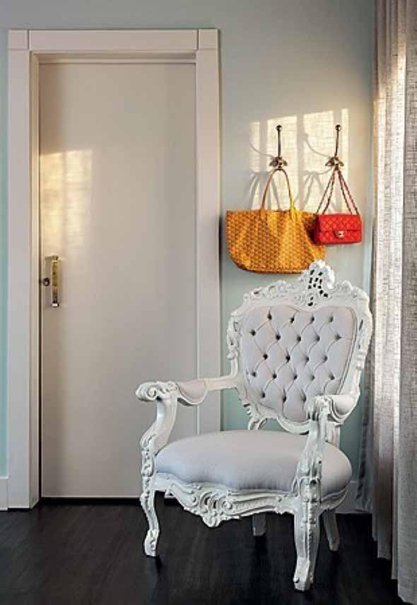 Cadeiras antigas na decoração 007
