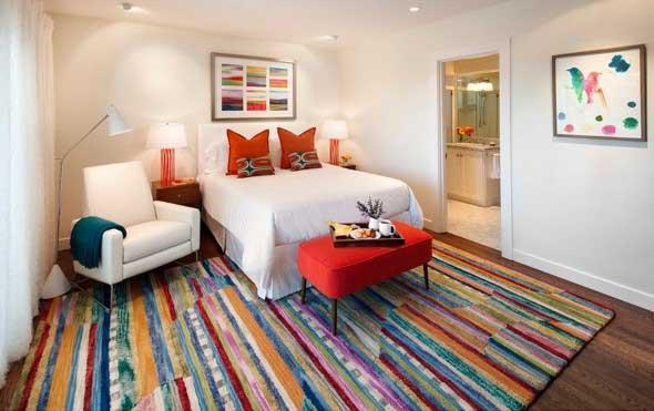 Tapetes coloridos na decoração 004