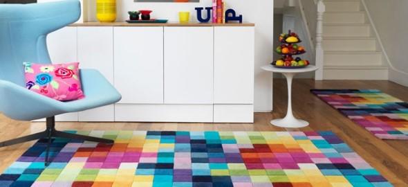 Tapetes coloridos na decoração 008
