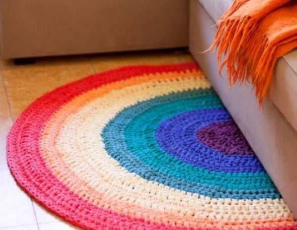 Tapetes coloridos na decoração 015
