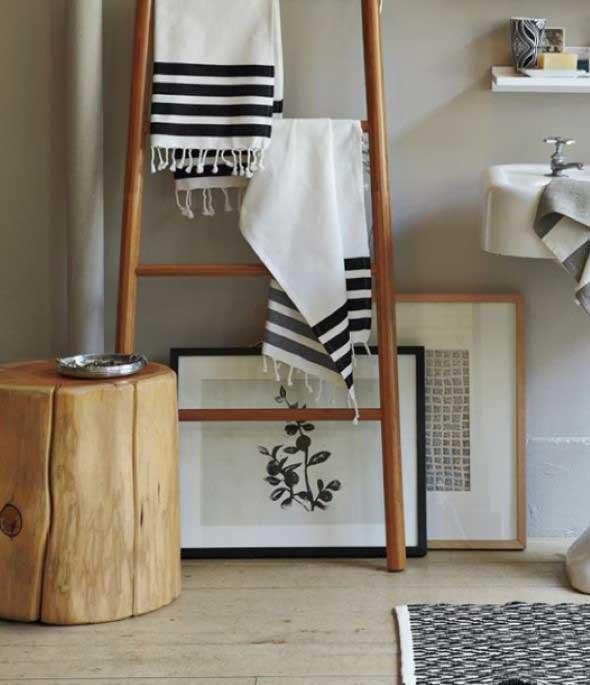 Madeira rústica na decoração do banheiro 012